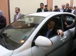 رئيس الوزراء الدكتور سلام فياض أثناء تجوله في سوق نابلس، و ذلك خلال إفتتاحه عددا من المشاريع